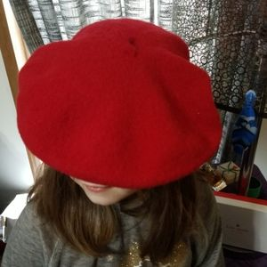 Women's Beret from 1970s vintage wool red